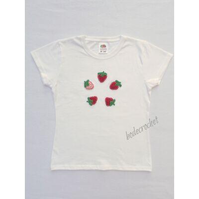 Fehér gyermek póló horgolt eper díszítéssel 128-as