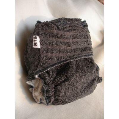Nadi M-es pamut frottír mosható pelenka belső betéttel (7-13 kg) sötét szürke