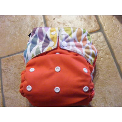 NORKA egyméretes zsebes mosható pelenka (4-16 kg) - piros leveles